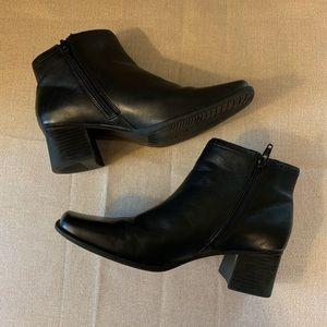 Croft & Barrow Thora Black Leather Zip Boots Sz 7